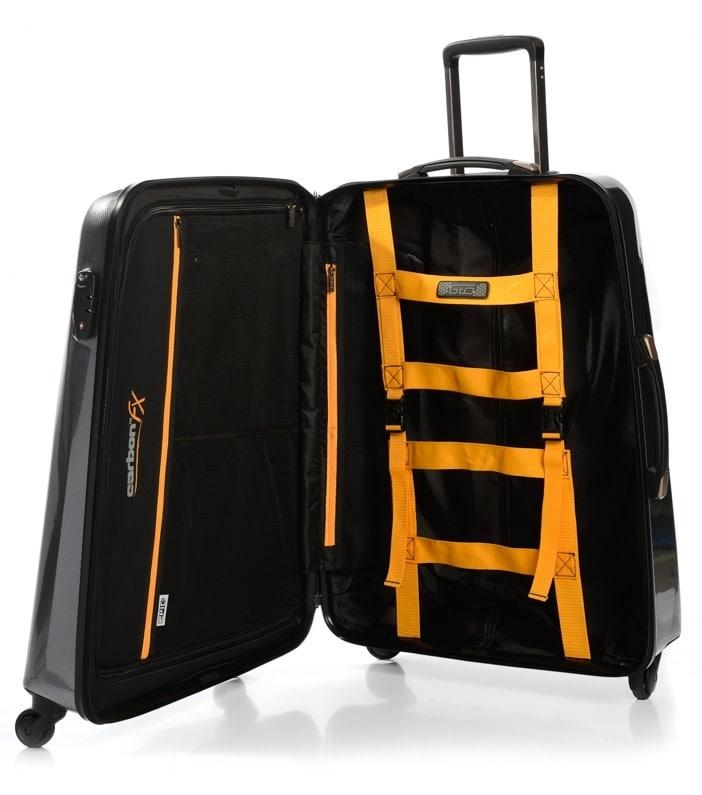 En stor kuffert med plads til det hele