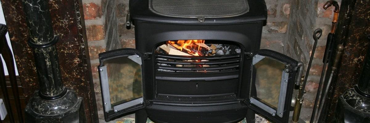 Få 2.000 kroner i skrotningspræmie for din gamle brændeovn.