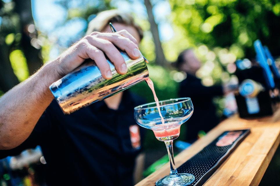 Hvad koster det at leje en bartender